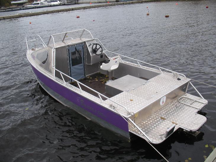 Вымпел 440 лодка